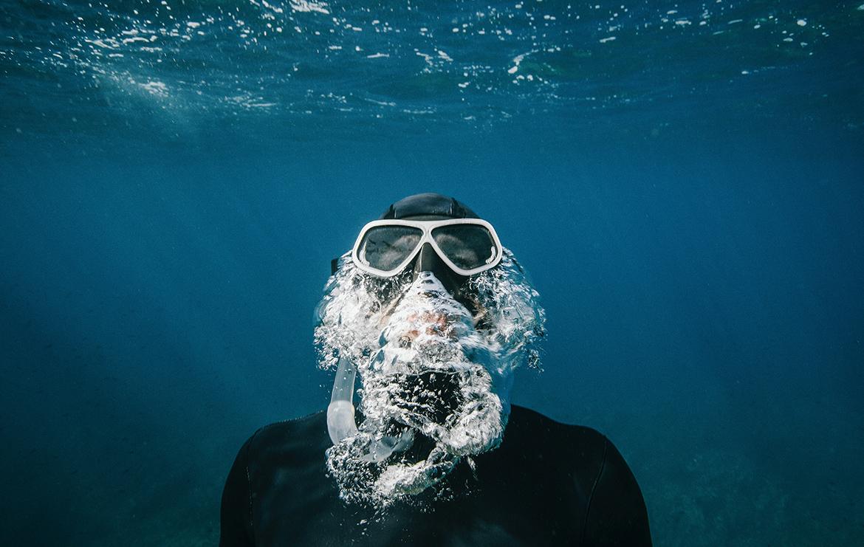 Idée voyage original : un an de plongée d'est en ouest