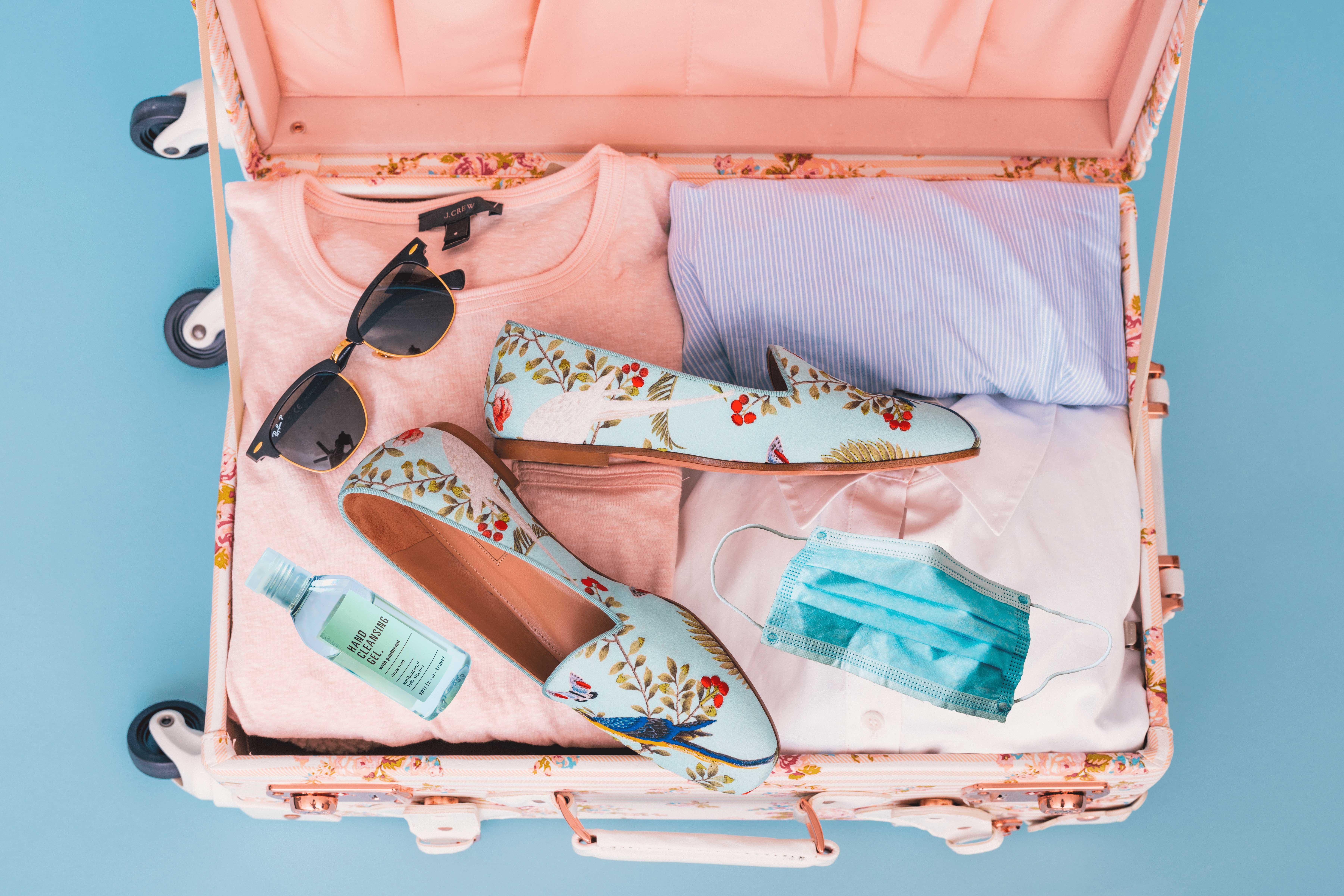 Préparer sa valise en temps de Covid-19 - @Arnel Hasanovic - Unsplash